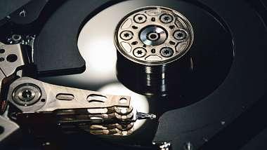seagate-slibuje-pevne-disky-s-obri-kapacitou-za-par-let
