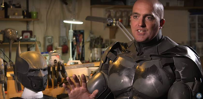 ir-si-vyrobil-funkcni-repliku-kostymu-batmana-se-kterou-se-dostal-do-guinessovi-knihy-rekordu