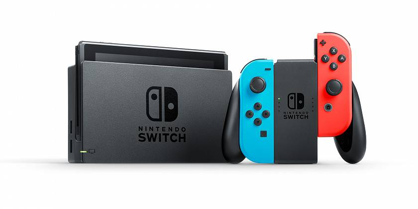 switch-slavi-za-stejny-cas-prodal-pres-dvojnasobek-toho-co-microsoft