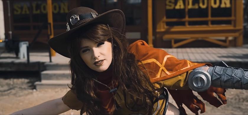 jedno-skvele-cosplay-video-pro-lepsi-den